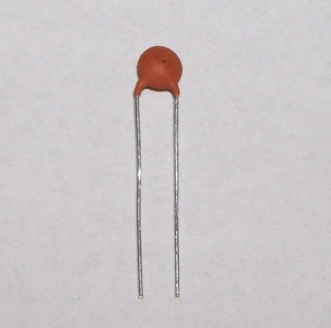 1pF Ceramic Disc Capacitor 2.5mm Pitch Pack of 10